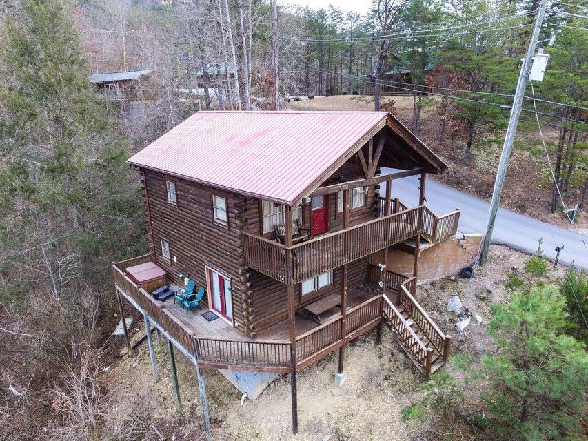 Частный односемейный дом для того Продажа на 1733 Walker Tr 1733 Walker Tr Sevierville, Теннесси 37876 Соединенные Штаты