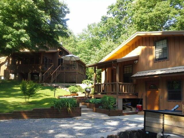 Maison unifamiliale pour l Vente à 187 Starr Mountain Road 187 Starr Mountain Road Englewood, Tennessee 37329 États-Unis