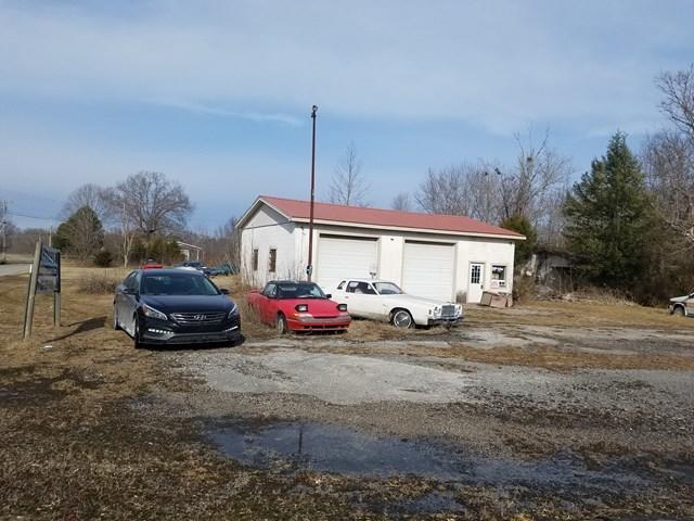 Commercial pour l Vente à Address Not Available Gainesboro, Tennessee 38562 États-Unis