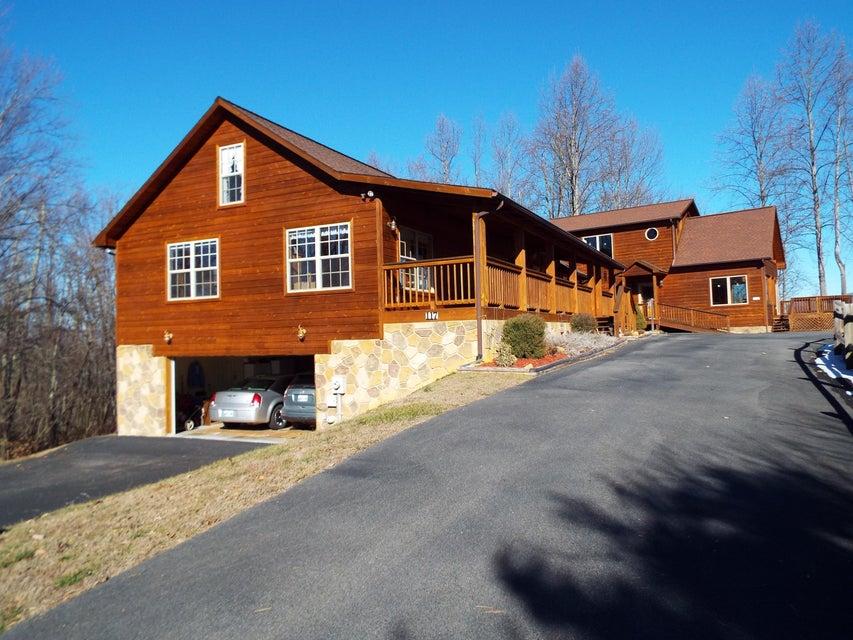 独户住宅 为 销售 在 115-117 Big Tree Road 115-117 Big Tree Road Cosby, 田纳西州 37722 美国
