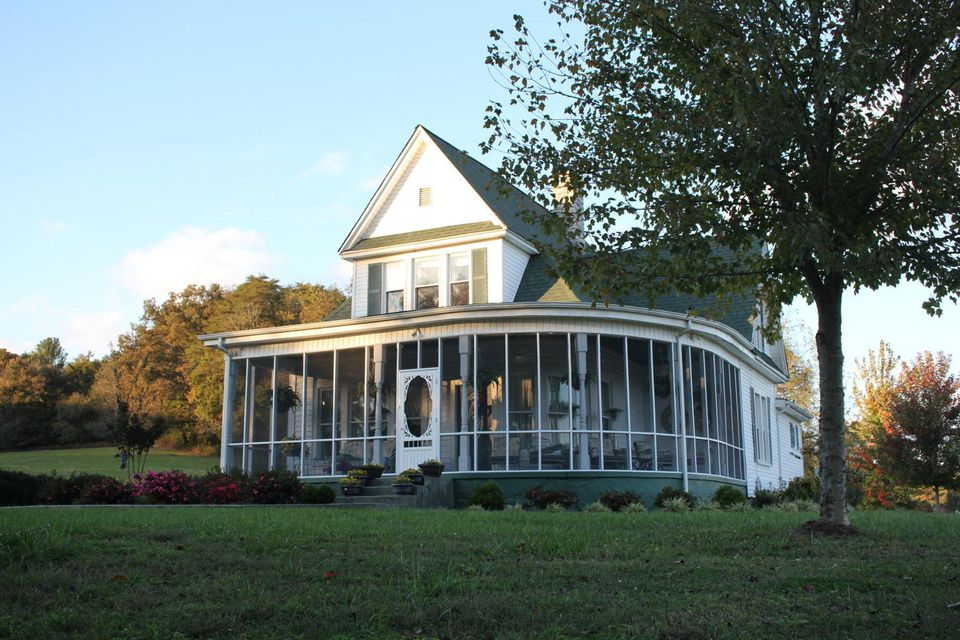 Частный односемейный дом для того Продажа на 17047 Old State Highway 28 17047 Old State Highway 28 Pikeville, Теннесси 37367 Соединенные Штаты