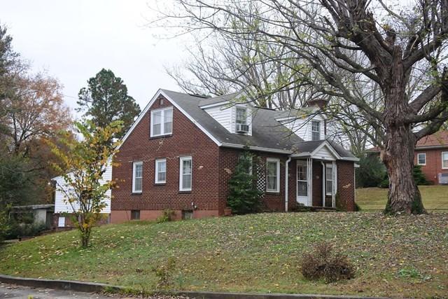 Casa Unifamiliar por un Venta en 206-208 Bussell Street 206-208 Bussell Street Livingston, Tennessee 38570 Estados Unidos