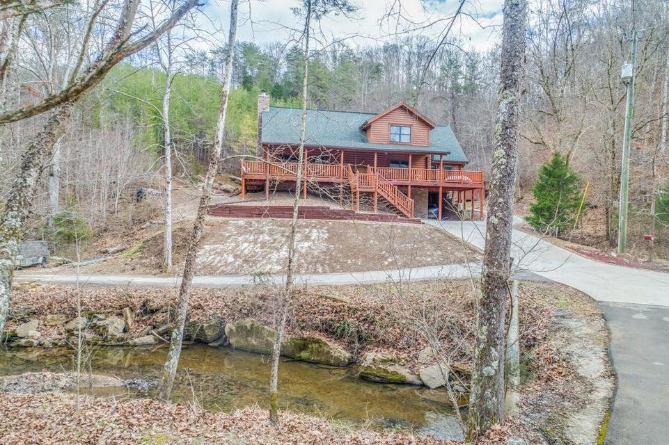 Частный односемейный дом для того Продажа на 1850 Walker Ford Road 1850 Walker Ford Road Maynardville, Теннесси 37807 Соединенные Штаты