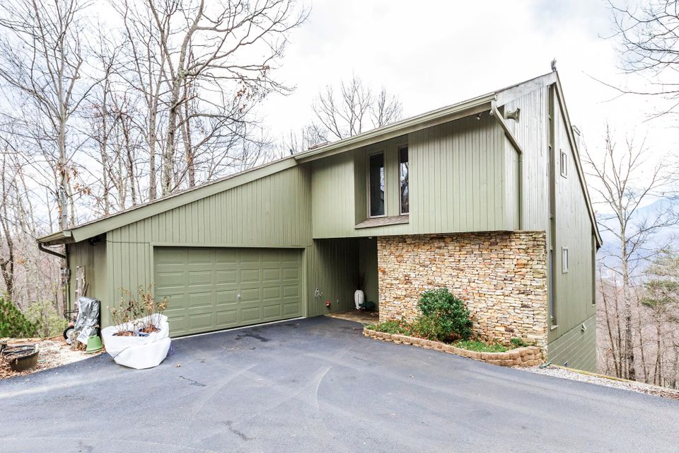 Single Family Home for Sale at 1215 Wiley Oakley Drive 1215 Wiley Oakley Drive Gatlinburg, Tennessee 37738 United States