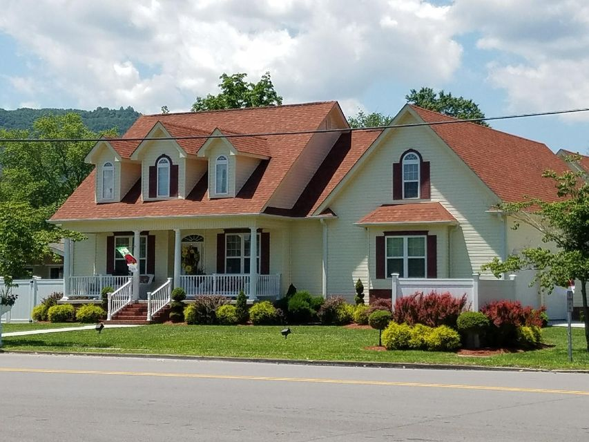 Single Family Home for Sale at 117 N 30th Street 117 N 30th Street Middlesboro, Kentucky 40965 United States