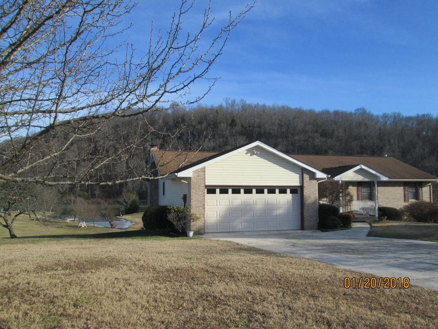 Single Family Home for Sale at 306 Jones 306 Jones Clinton, Tennessee 37716 United States