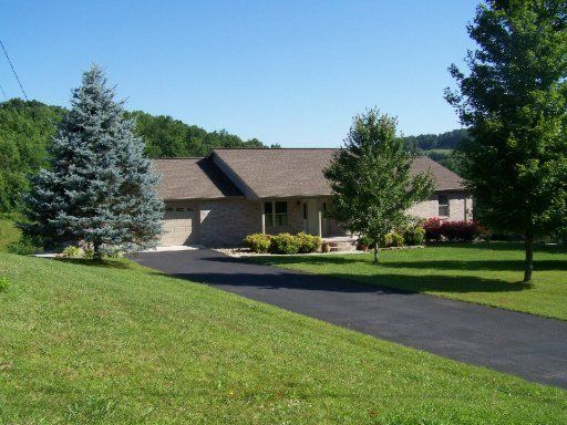 Single Family Home for Sale at 214 Shirley Road 214 Shirley Road Washburn, Tennessee 37888 United States