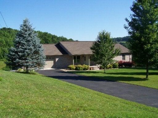 Частный односемейный дом для того Продажа на 214 Shirley Road 214 Shirley Road Washburn, Теннесси 37888 Соединенные Штаты