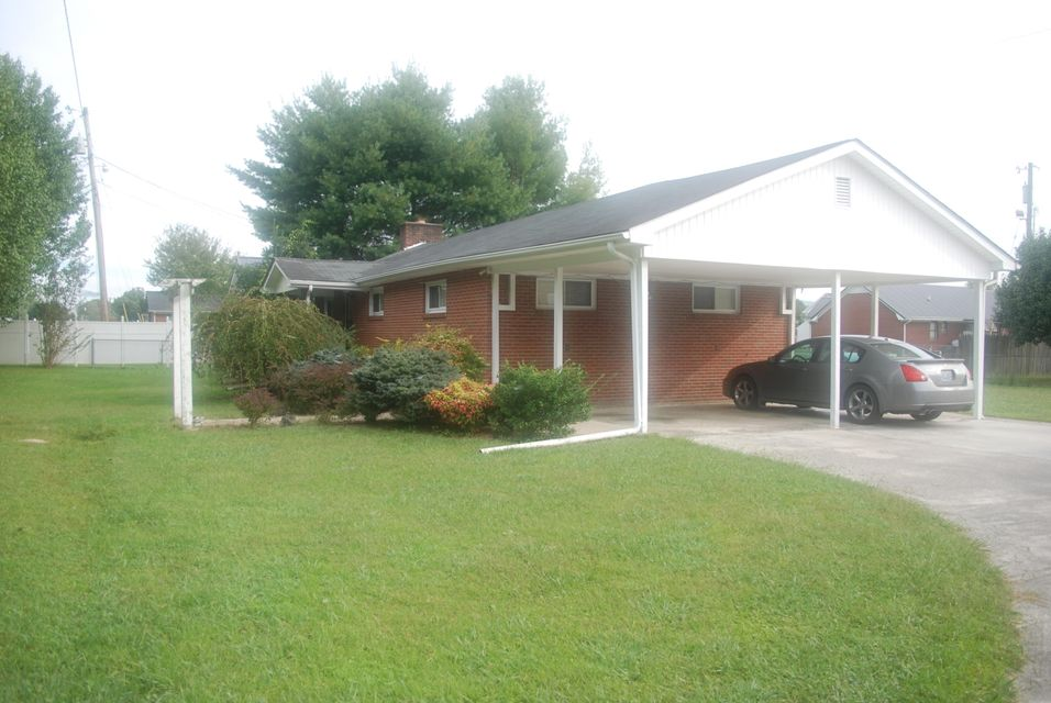 Additional photo for property listing at 535 S 30th Street 535 S 30th Street Middlesboro, 肯塔基州 40965 美国