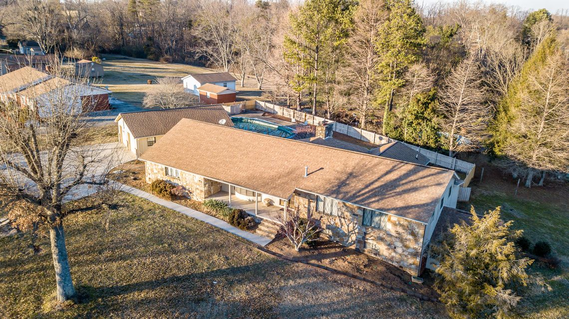 Additional photo for property listing at 524 Peterson Lane 524 Peterson Lane Maryville, Tennessee 37803 Estados Unidos