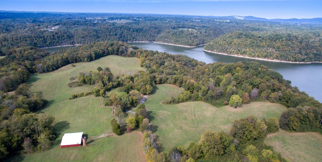 Casa Unifamiliar por un Venta en 5355 Turney Groce Road 5355 Turney Groce Road Byrdstown, Tennessee 38549 Estados Unidos