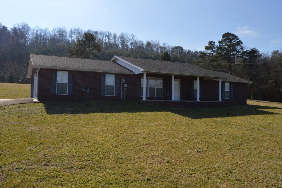 独户住宅 为 销售 在 849 S Old Sevierville Pike 849 S Old Sevierville Pike Seymour, Tennessee 37865 United States