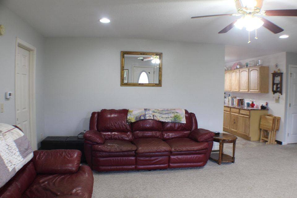 Additional photo for property listing at 109 Cherry Street 109 Cherry Street Athens, Tennessee 37303 United States