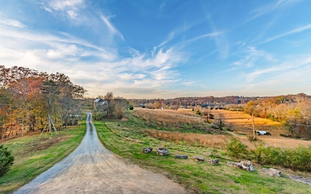 独户住宅 为 销售 在 949 River Road 949 River Road Kodak, 田纳西州 37764 美国