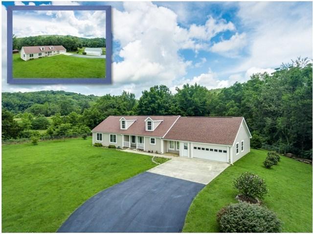 Casa Unifamiliar por un Venta en 653 Highland Mountain Road 653 Highland Mountain Road Livingston, Tennessee 38570 Estados Unidos