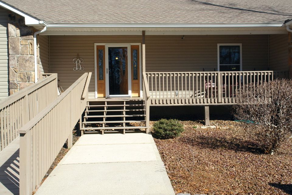 Additional photo for property listing at 27 Reeves Place 27 Reeves Place Monterey, Tennessee 38574 United States