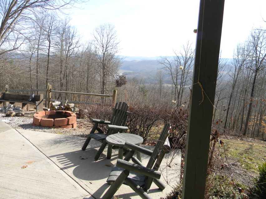 Additional photo for property listing at 241 Settlers Point Road 241 Settlers Point Road New Tazewell, Tennessee 37825 United States