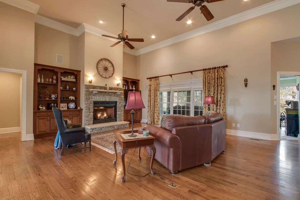 Additional photo for property listing at 280 Conkinnon Drive 280 Conkinnon Drive Lenoir City, Tennessee 37772 United States