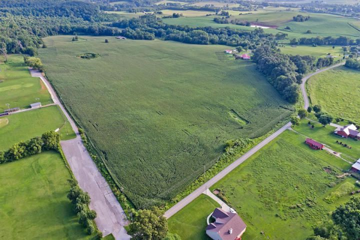 Additional photo for property listing at 2800 Fork Creek Road 2800 Fork Creek Road Philadelphia, Tennessee 37846 United States