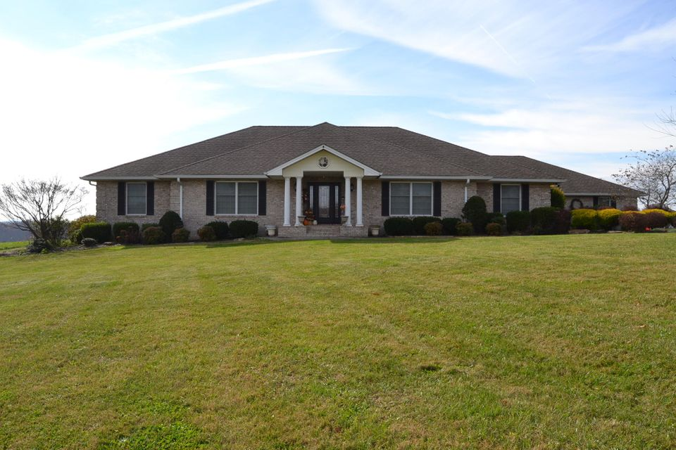 Maison unifamiliale pour l Vente à 2480 Pigeon Ridge Road 2480 Pigeon Ridge Road Crossville, Tennessee 38555 États-Unis