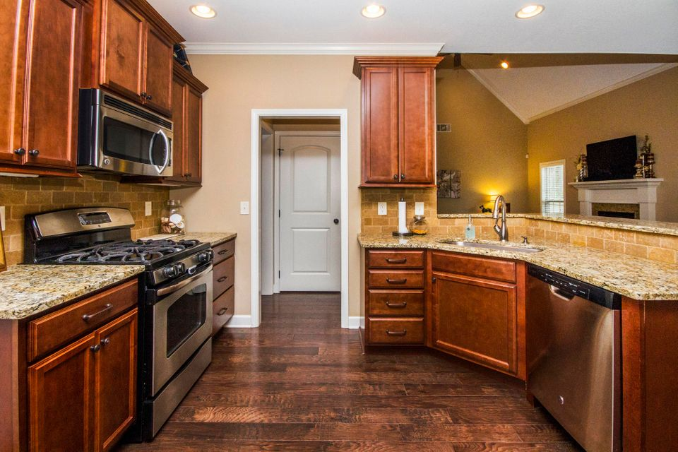 Additional photo for property listing at 1306 Whisper Trace Lane 1306 Whisper Trace Lane Knoxville, Tennessee 37919 Estados Unidos