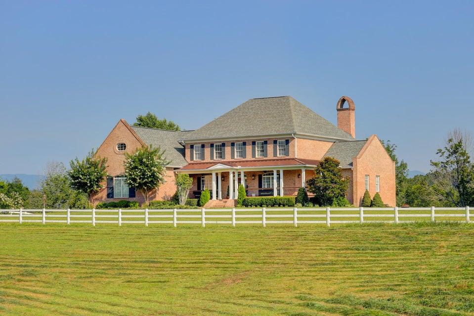 Частный односемейный дом для того Продажа на 222 Beagle Lane 222 Beagle Lane Clinton, Теннесси 37716 Соединенные Штаты