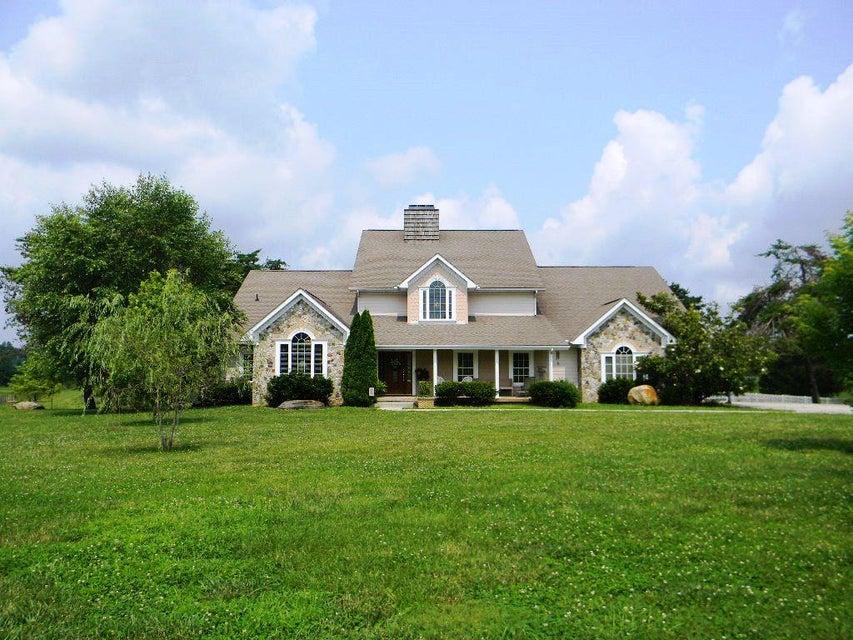 Частный односемейный дом для того Продажа на 285 Shumaker Lane 285 Shumaker Lane Jamestown, Теннесси 38556 Соединенные Штаты