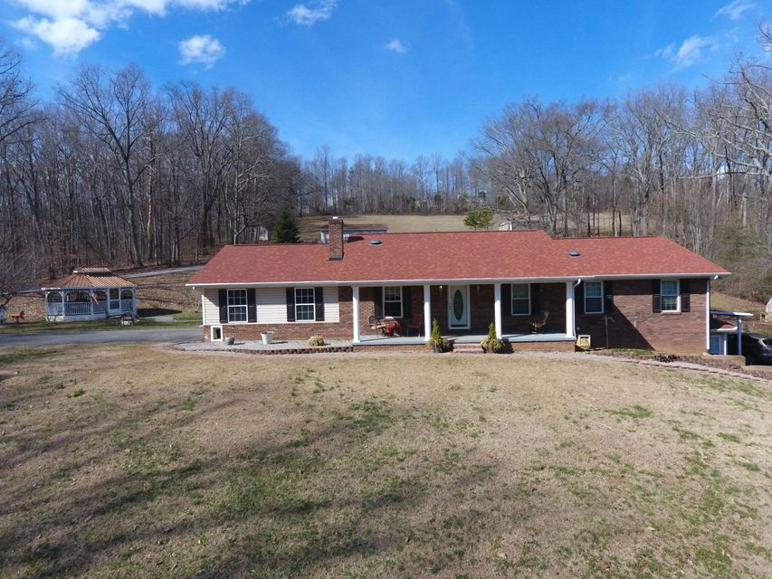 Single Family Home for Sale at 331 Hubbs Grove Road 331 Hubbs Grove Road Maynardville, Tennessee 37807 United States