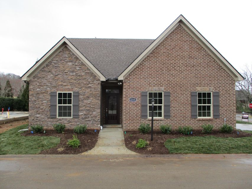 Additional photo for property listing at 2215 Villa Garden Way 2215 Villa Garden Way Knoxville, Tennessee 37932 Estados Unidos
