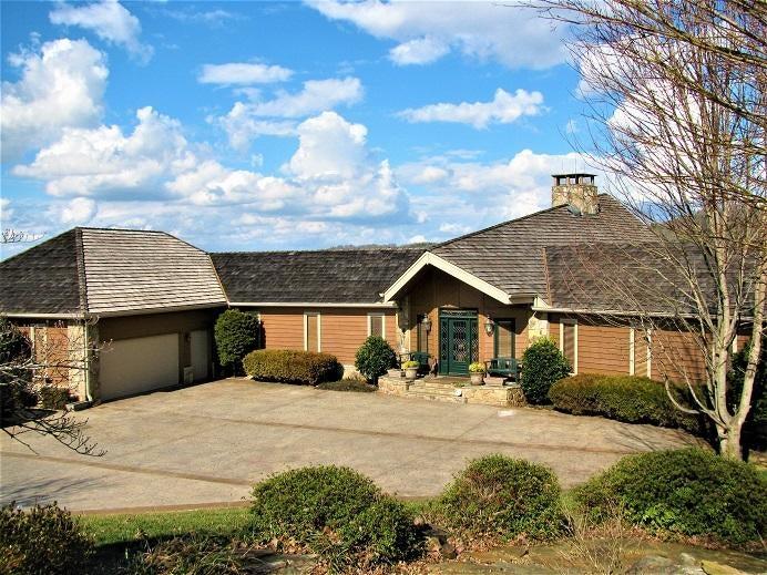 Частный односемейный дом для того Продажа на 163 Chuniloti Way 163 Chuniloti Way Loudon, Теннесси 37774 Соединенные Штаты