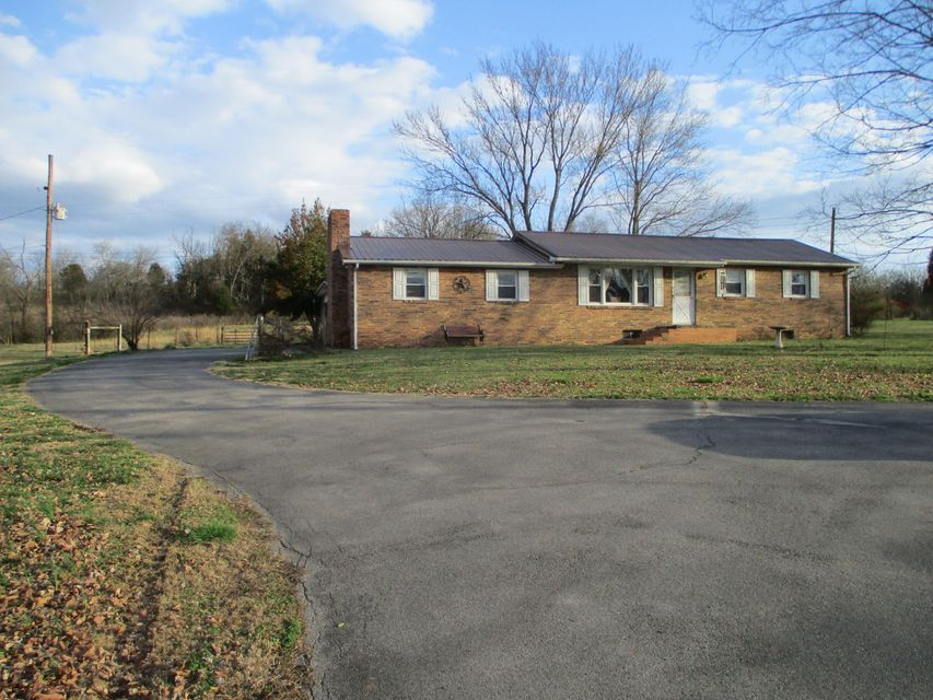 Single Family Home for Sale at 14845 W Lee Hwy 14845 W Lee Hwy Philadelphia, Tennessee 37846 United States
