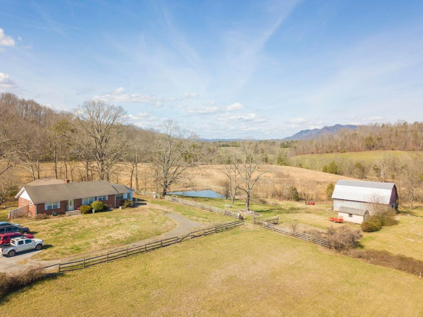 Single Family Home for Sale at 4328 Varnard Lane 4328 Varnard Lane Corryton, Tennessee 37721 United States
