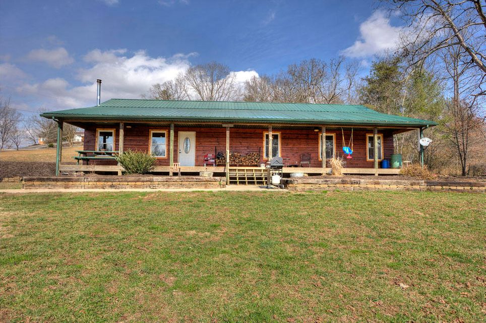 Single Family Home for Sale at 710 Back Valley Road 710 Back Valley Road Oliver Springs, Tennessee 37840 United States