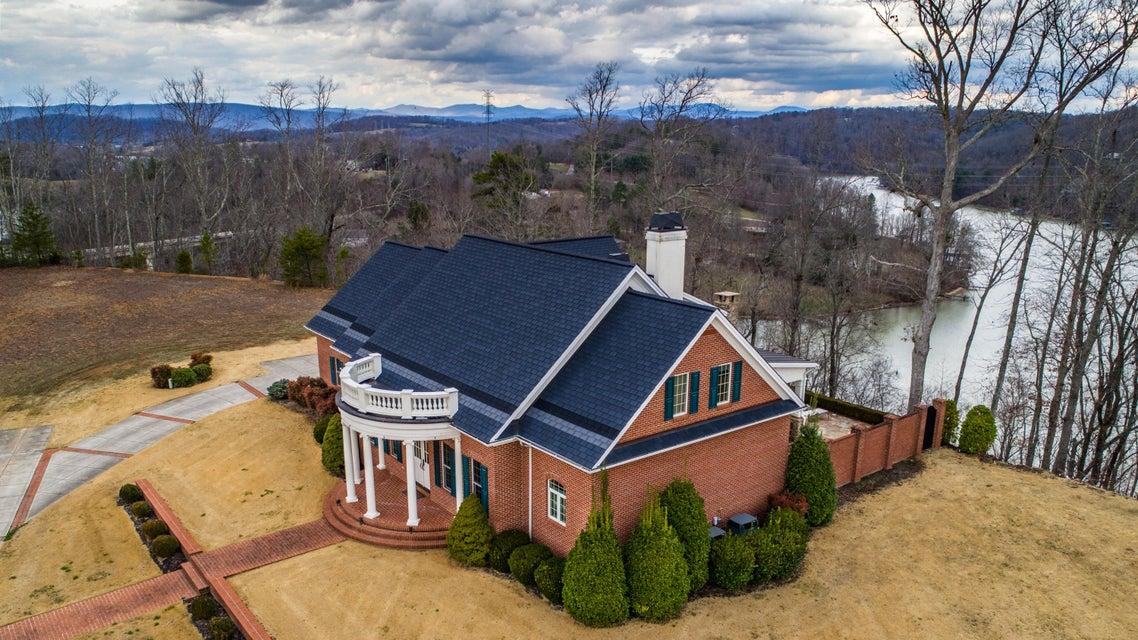 Частный односемейный дом для того Продажа на 1022 Northbridge Close 1022 Northbridge Close Kingston, Теннесси 37763 Соединенные Штаты