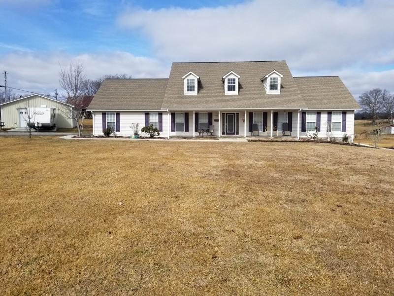 独户住宅 为 销售 在 2074 Williams Creek Road 2074 Williams Creek Road Oneida, 田纳西州 37841 美国