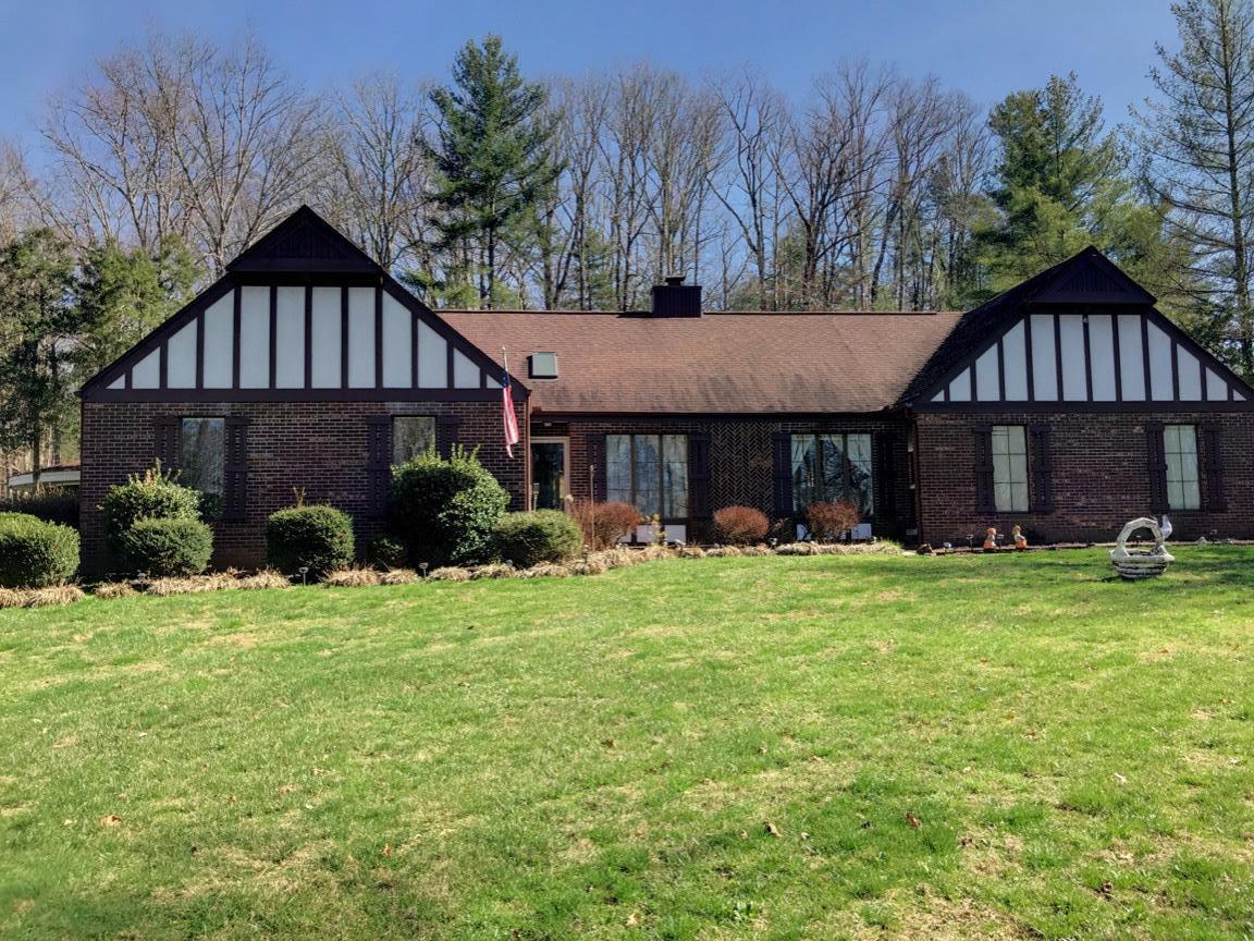 独户住宅 为 销售 在 700 S Lake Drive 700 S Lake Drive Oneida, 田纳西州 37841 美国