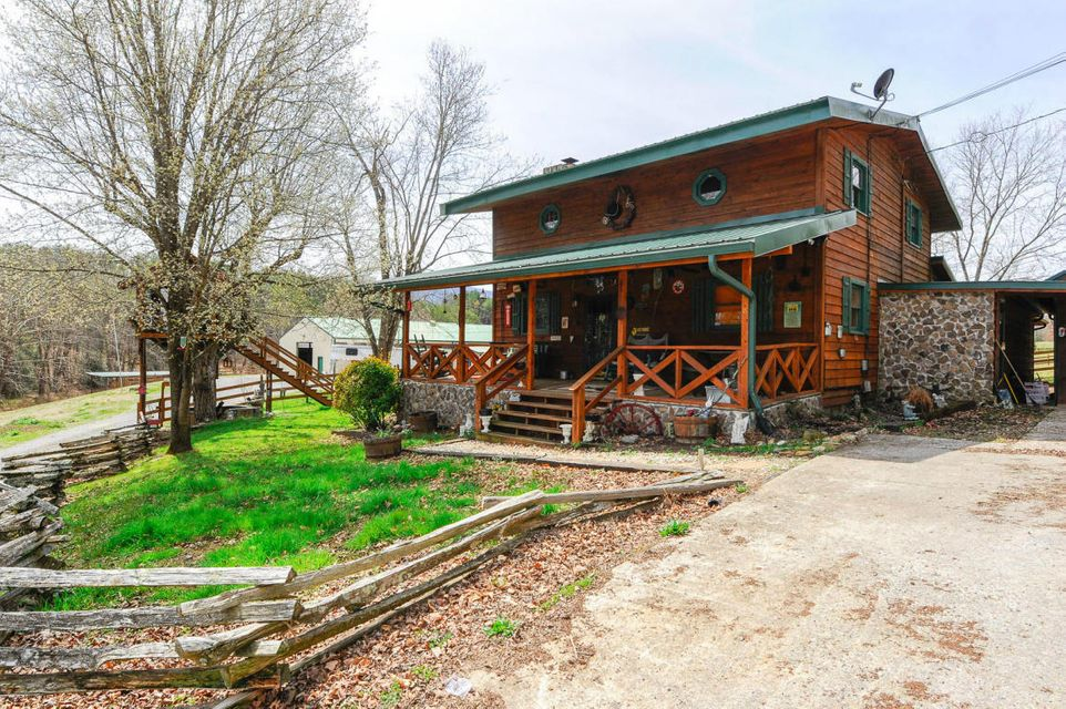Single Family Home for Sale at 7818 Berry Williams Road 7818 Berry Williams Road Townsend, Tennessee 37882 United States