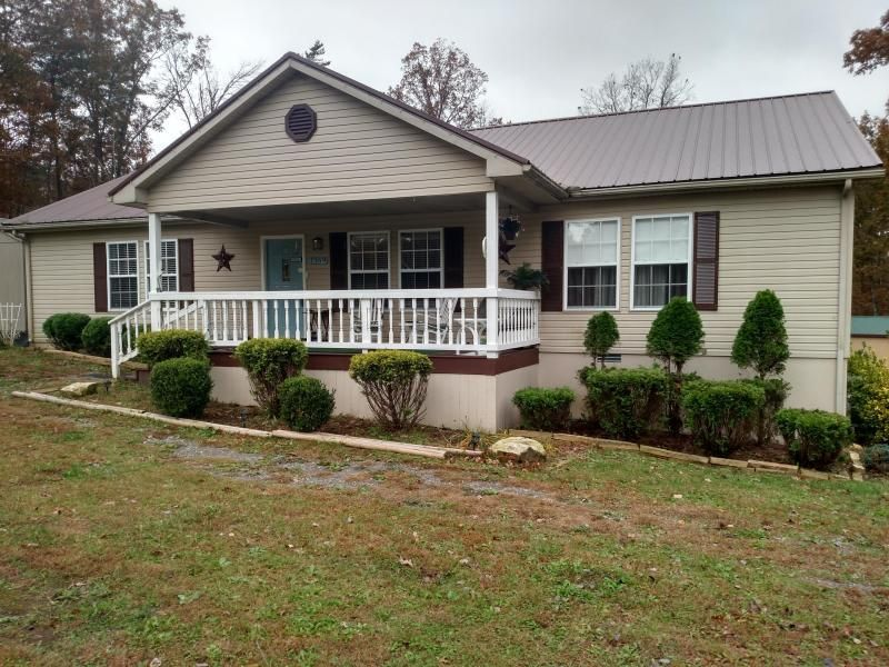 Single Family Home for Sale at 1369 Old Bean Shed Road 1369 Old Bean Shed Road Clarkrange, Tennessee 38553 United States
