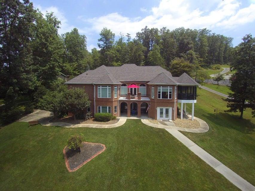 Casa Unifamiliar por un Venta en 364 Bluff Trace 364 Bluff Trace Jacksboro, Tennessee 37757 Estados Unidos
