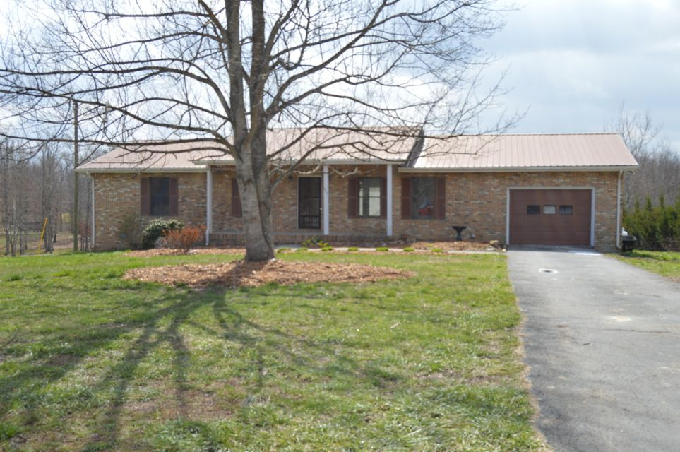 Single Family Home for Sale at 869 Kilby Road 869 Kilby Road Clarkrange, Tennessee 38553 United States