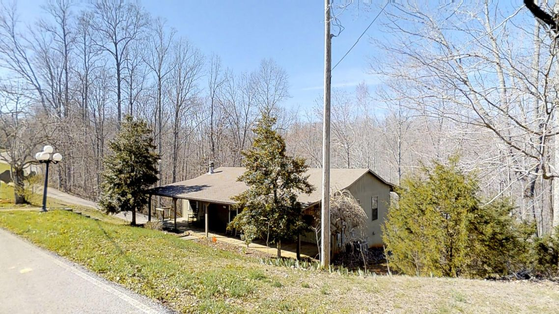 Single Family Home for Sale at 1601 Holly Creek Road 1601 Holly Creek Road Celina, Tennessee 38551 United States