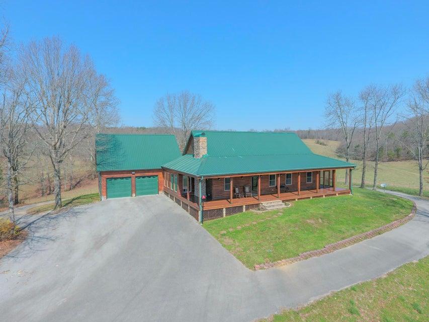 Casa Unifamiliar por un Venta en 225 County Road 296 225 County Road 296 Sweetwater, Tennessee 37874 Estados Unidos