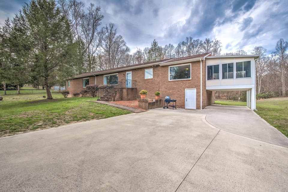 独户住宅 为 销售 在 99 Reservoir Road 99 Reservoir Road Norris, 田纳西州 37828 美国