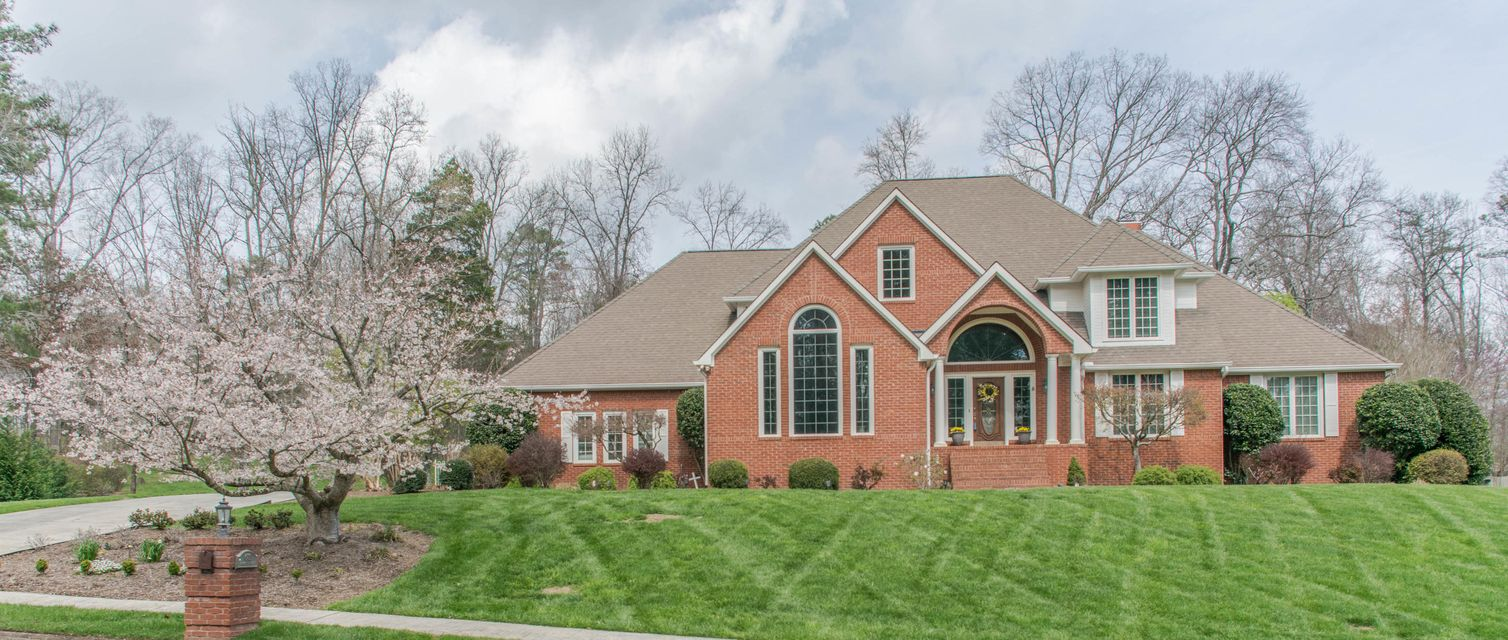 Single Family Home For Sale At 671 NW Paragon Pkwy 671 NW Paragon Pkwy  Cleveland,