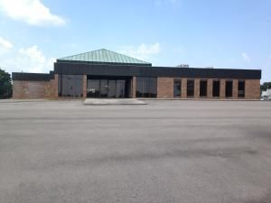 Commercial for Sale at 800 W Morris Blvd 800 W Morris Blvd Morristown, Tennessee 37813 United States
