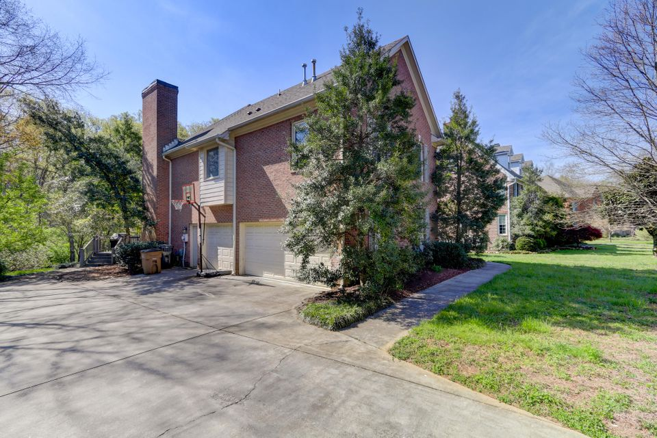 Additional photo for property listing at 7120 Lawford Road 7120 Lawford Road Knoxville, Tennessee 37919 Estados Unidos