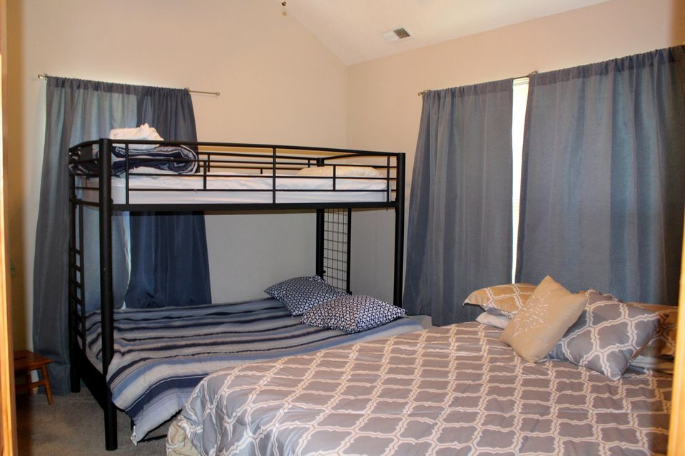 144 Flat Hollow Marina Rd: