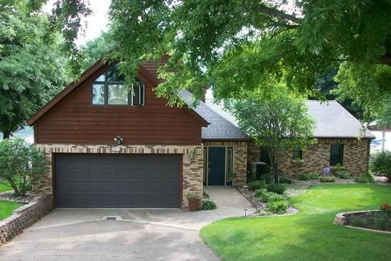 2810 BREEZY HEIGHTS Dr Wahpeton, IA 51351