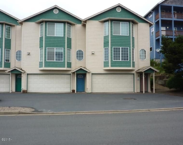 895 NW Inlet Ave, 3, Lincoln City, OR 97367 - Front of condo
