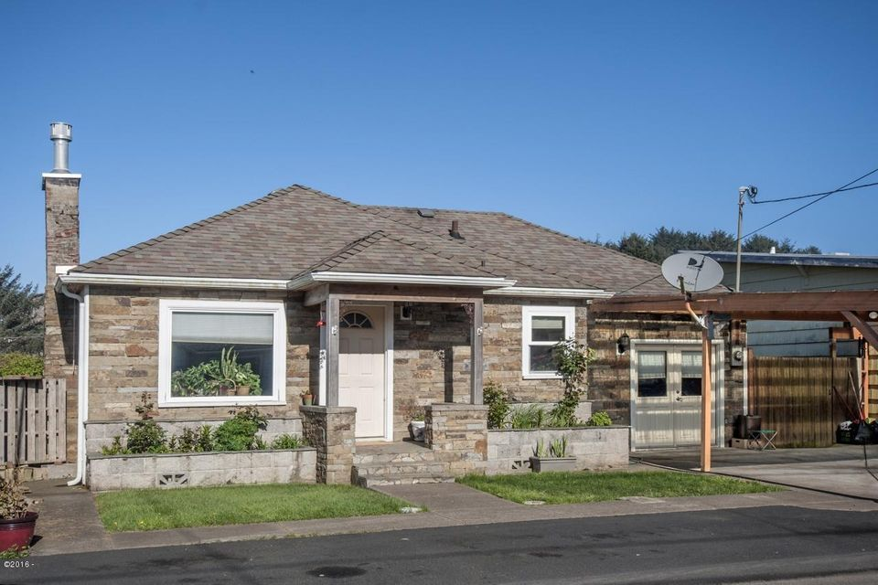 3041 SW Coast Ave., Lincoln City, OR 97367 - Curbside